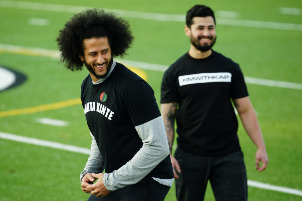 Kaepernick's throws passes for 40 minutes at strange workout