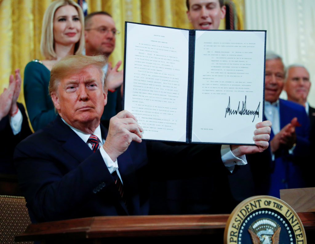 Trump signs order against boycotts on college campuses directed against Israel