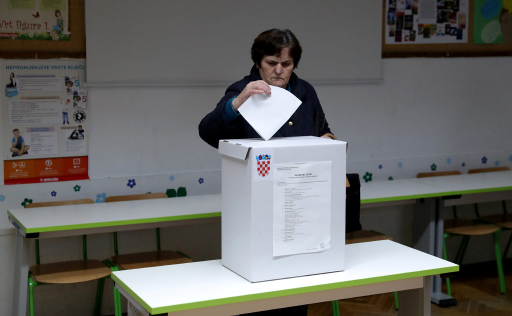 Race for Croatia's presidency goes to runoff election