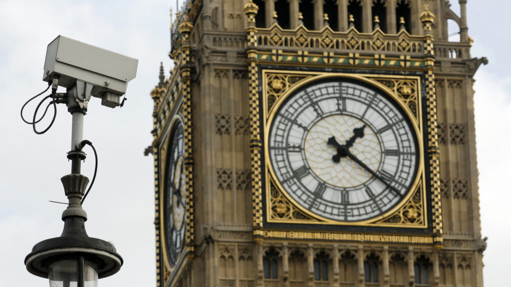 London police to use facial recognition cameras, stoking privacy fears