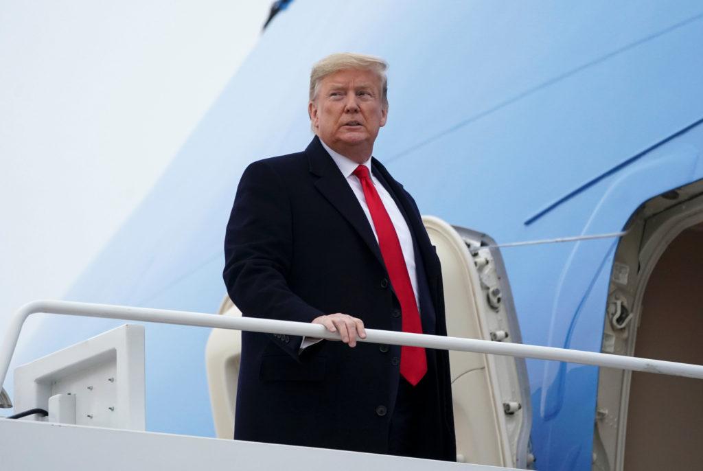U.S. President Donald Trump and first lady Melania Trump depart Joi…