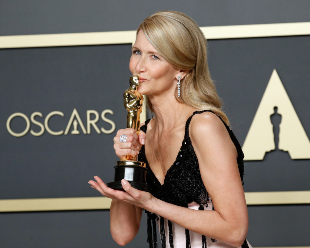 Laura Dern poses with the Oscar for Best Supporting Actress in a ``Marriage Story'' in the photo room at the 92nd Academy Awards in Hollywood, Los Angeles, California. Photo by Lucas Jackson/Reuters