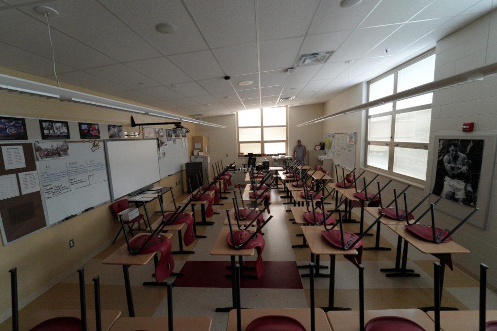 NYC keeping schools open, defying novel coronavirus trend