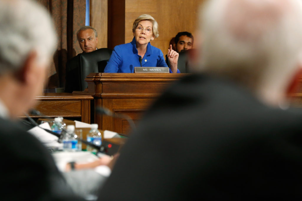 U.S. Senator Elizabeth Warren (D-MA) questions federal financial regulators about Wall Street reform before a Senate Banking Committee hearing on Capitol Hill in Washington September 9, 2014.   REUTERS/Jonathan Ernst    (UNITED STATES - Tags: POLITICS BUSINESS) - GM1EA9A00X701