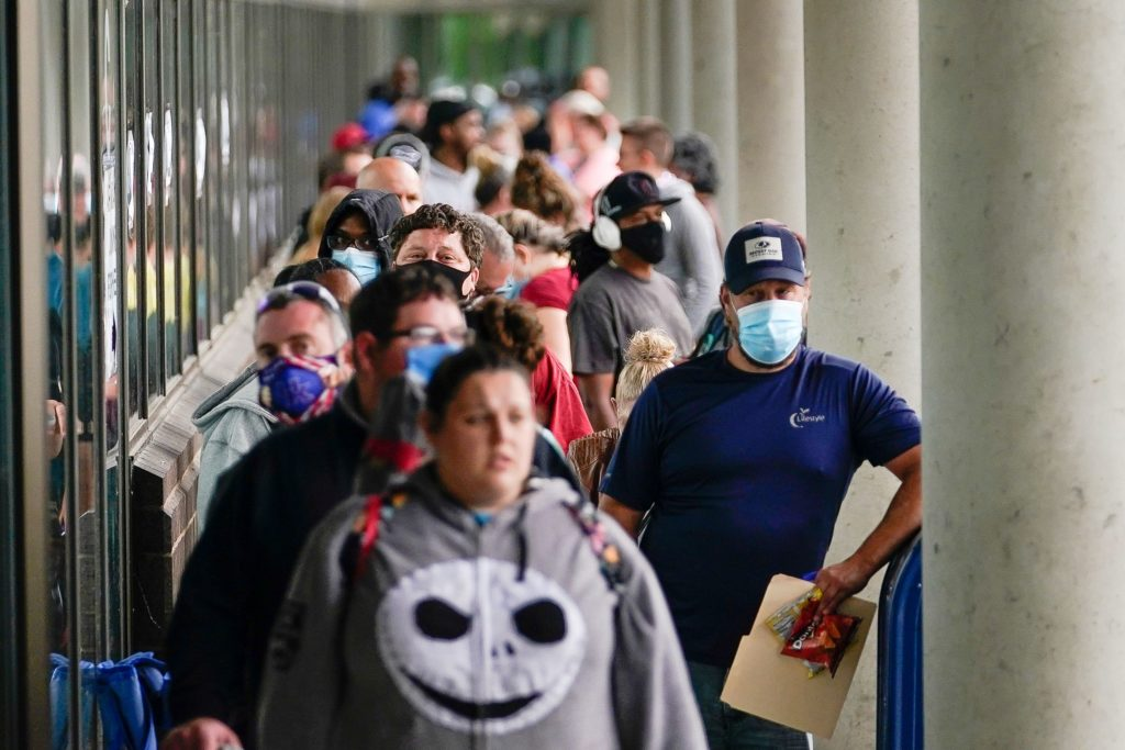 1.2 million seek jobless aid after $600 federal checks end