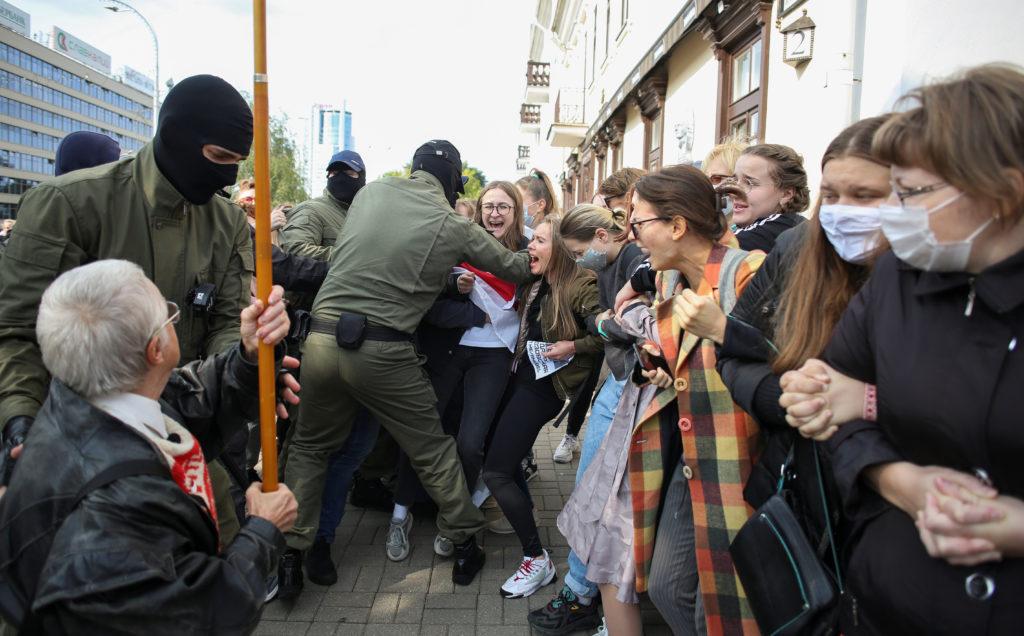 10,000 women march to demand that Belarus president resign | PBS NewsHour  Weekend