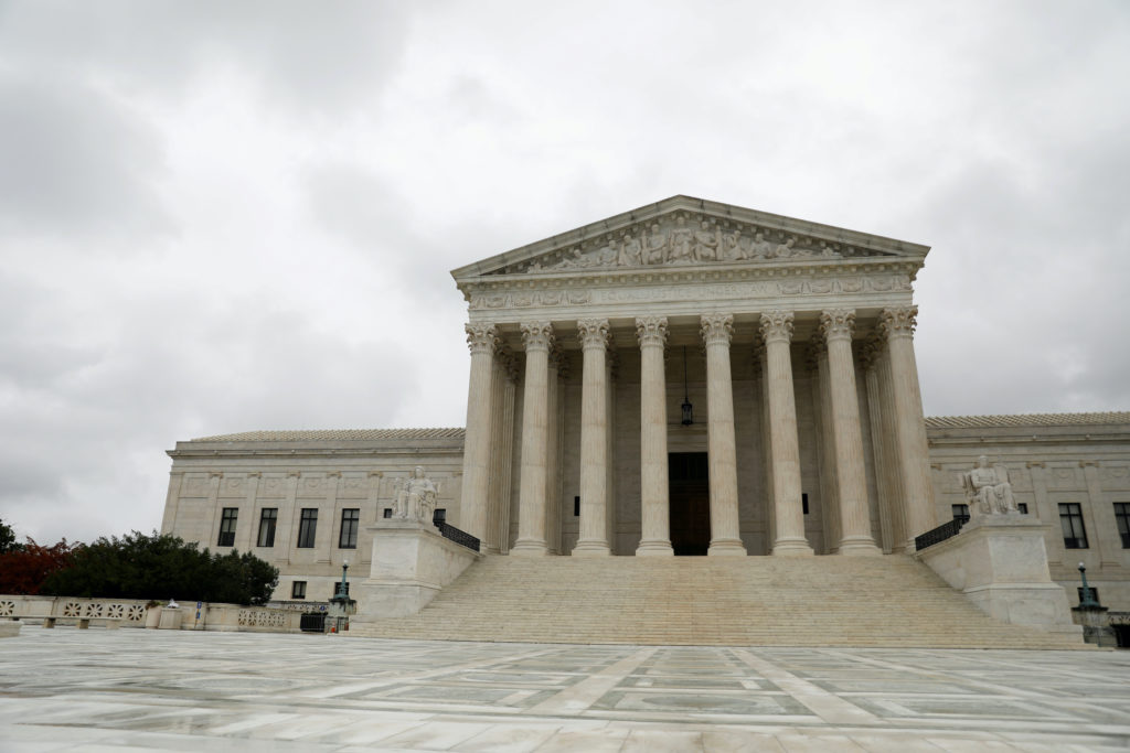 pbs.org - Supreme Court reviews Trump effort to change census data on immigrants