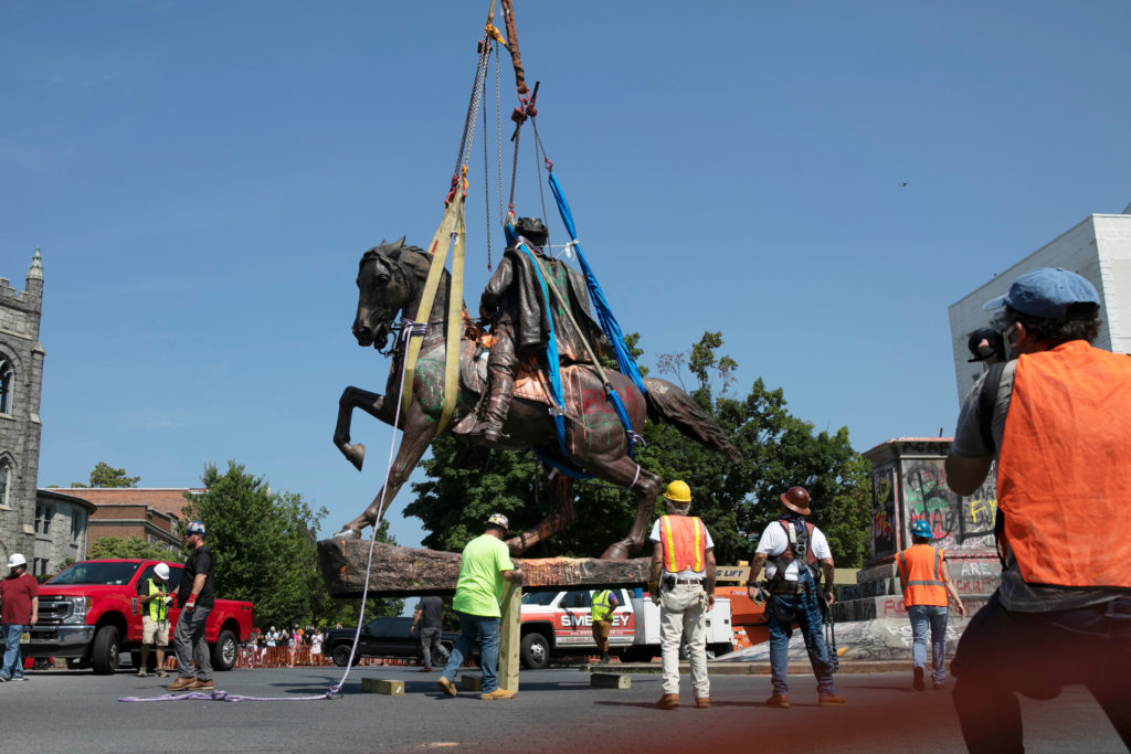 Crews remove the statue to Confederate General J.E.B. Stuart in Richmond, Virginia, U.S. July 7, 2020. Photo by Reuters/Julia Rendleman