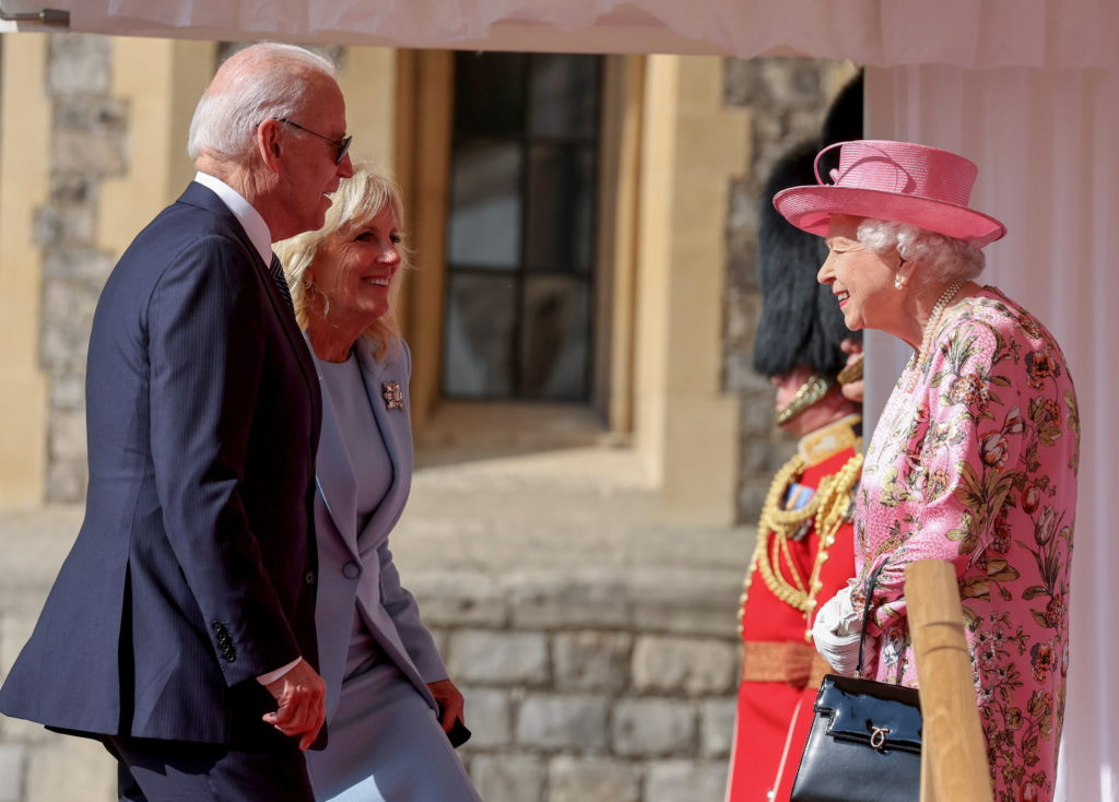 Biden says  very gracious  queen  reminded me of my mother