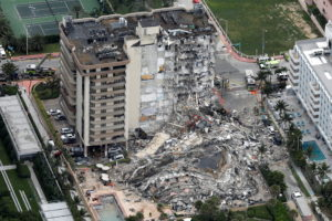 Half of a Florida apartment building fully collapsed