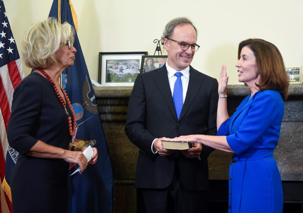 Janet DiFiore, Chief Judge swears in Kathy Hochul