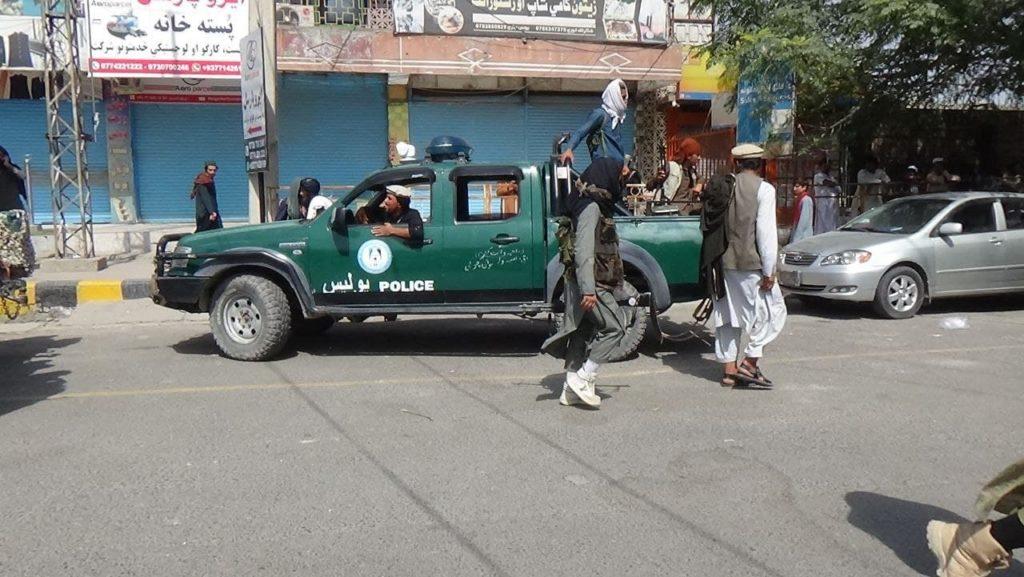 Taliban patrols Jalalabad city