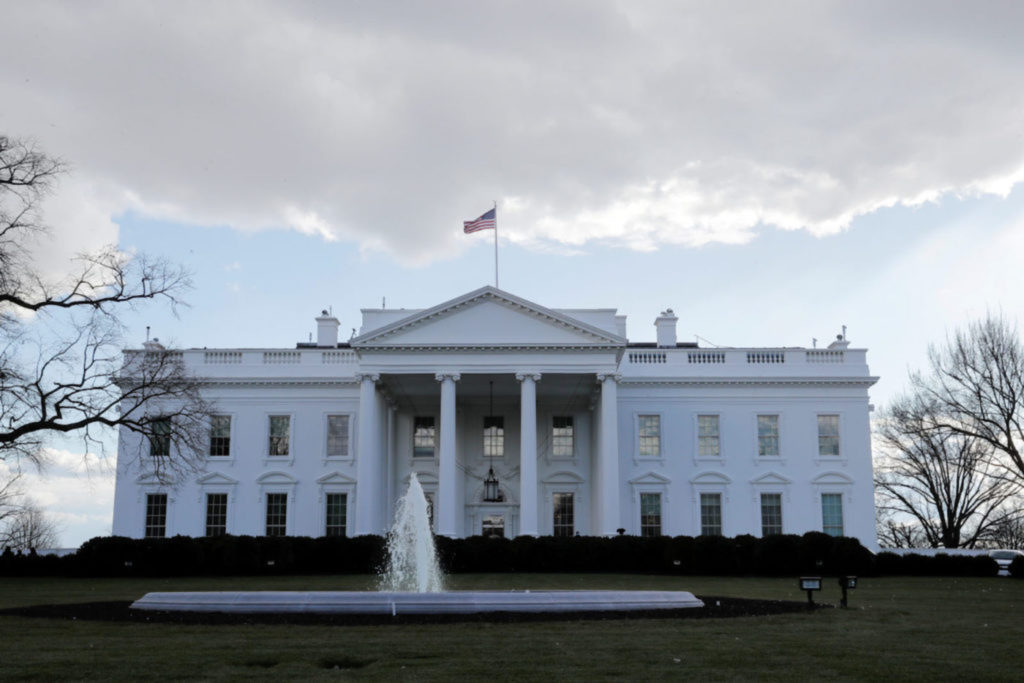 White House warns states face deep cuts if Congress does not raise debt limit